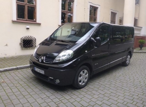 9-cio osobowy Renault Trafic Long Passenger